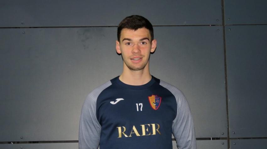 Defender Dom McLaughlin will join EK Thistle on loan until January